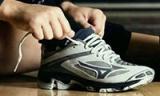 کفش های والیبال میزانو